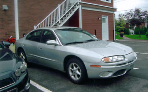 2001 Oldsmobile Aurora Familiale