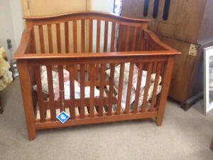 furniture/ crib