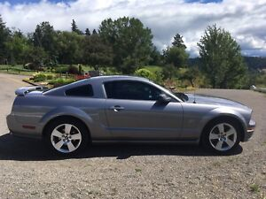 2006 Ford Mustang GT (LOW KMS)