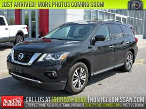 2017 Nissan Pathfinder SL | Leather, Htd Seats, Rear Camera