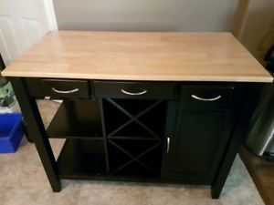 Kitchen island/wine bar