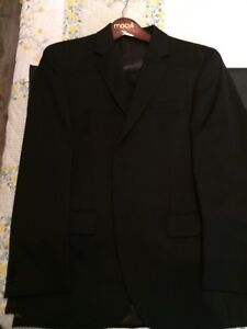 Mens tuxedo suit (quality and perfect condition)