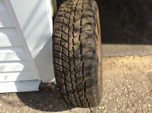 Weathermaxx 195/60R15 winter tires on rims set of 4