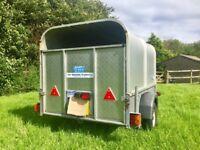 Small livestock trailer