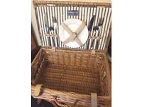 New Picnic Basket (hamper) by Todhunter w/ 2 plates & cutlery