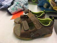 Clarks sandals size 4
