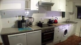 £550 Airport Double Staines Ashford - Move in this week