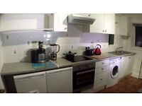 £550 1st 3 months Airport Double Staines Ashford - Move in this week