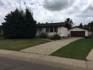 For Sale in Smoky Lake - Immediate Possession!