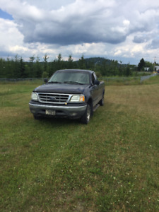 2002 Ford F-150 XL Pick-UP