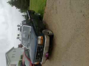 PARTING OUT----FORD, 4 WHEEL DRIVE FOR PARTS