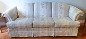 "Sofa 88"" x 34"" in Excellent Condition"