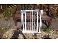 Tippitoes baby gate in good condition