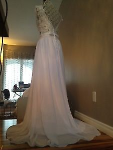 Stunning Wedding Dress With Lace Top