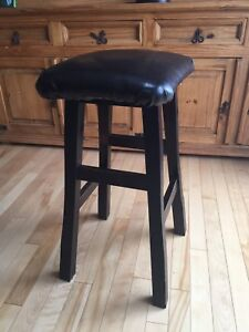 5 Solid Oak stools with Leather Cushions
