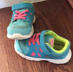 Toddler girl Nike sneakers
