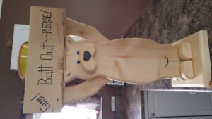 Butt out bear real wood for outside