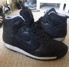 Nike lava dunk size 8 E8
