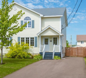Beautiful semi detached-Available Sept 1