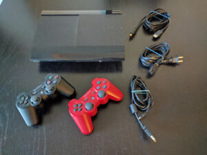 Sony Playstation PS3 Super Slim + 2 Dualshock 3 Controllers