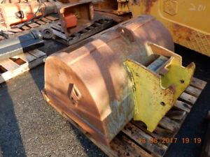 """CWS 40"""" CLEANUP BUCKET AND Q/C COUPLER FORD 550, 555, 555B, 555C"""