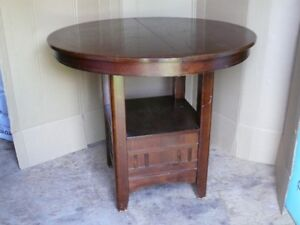 For Sale Dining table and chairs