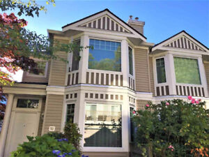ownhouse in 3 levels (1768 SQ.FT.) with 4 bedr+ 3 bath+ 2 cars g
