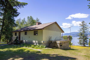 Blind Bay - 1.33 Acre Lakeshore Property with 2,00sqft Rancher