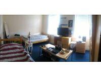 Twin room in Newton Road, Stratford, E15