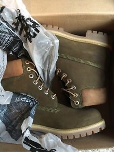 Timberlands mens 6inch green icon boots size 9