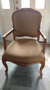 French Provincial style accent chair