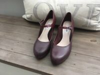 Clarks Angie Kendra shoes in burgundy leather, size 7.5, worn once