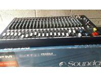 Soundcraft MPMi 20/2 26 input mixing console