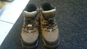 Gently used women's steel toed boots