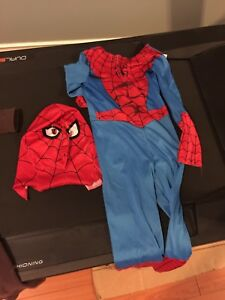 Spider man costume size 4-6 great for Halloween!