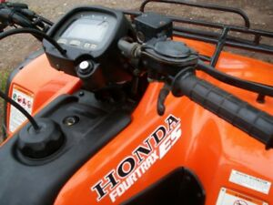2002 Honda 350 4x4 electric shift low kms. has papers