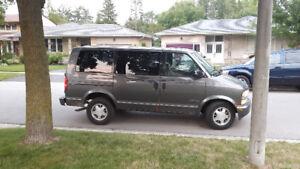 2000 Chevrolet Astro $1250