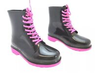 Ladies/girls boots size 8