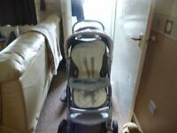 GRACO TRAVEL SYSTEM PRAM WITH CAR SEAT, CAR BASE AND CARRY COT.