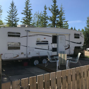 REDUCED! BUNK MODEL 5TH WHEEL AT CANDLE LAKE (Holiday Acres)