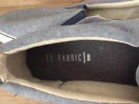 Men's canvas shoes size 9