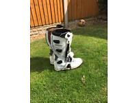 Wulf motocross size 9 boots