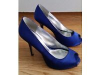 Ladies blue stiletto formal shoes size 6