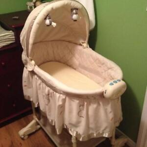 Bily 2-in-1 Bassinet Owl Excellent Condition