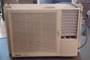 Air climatisée pour fenêtre - Window Air Conditioner