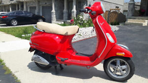 Vespa Scooter in excellent condition