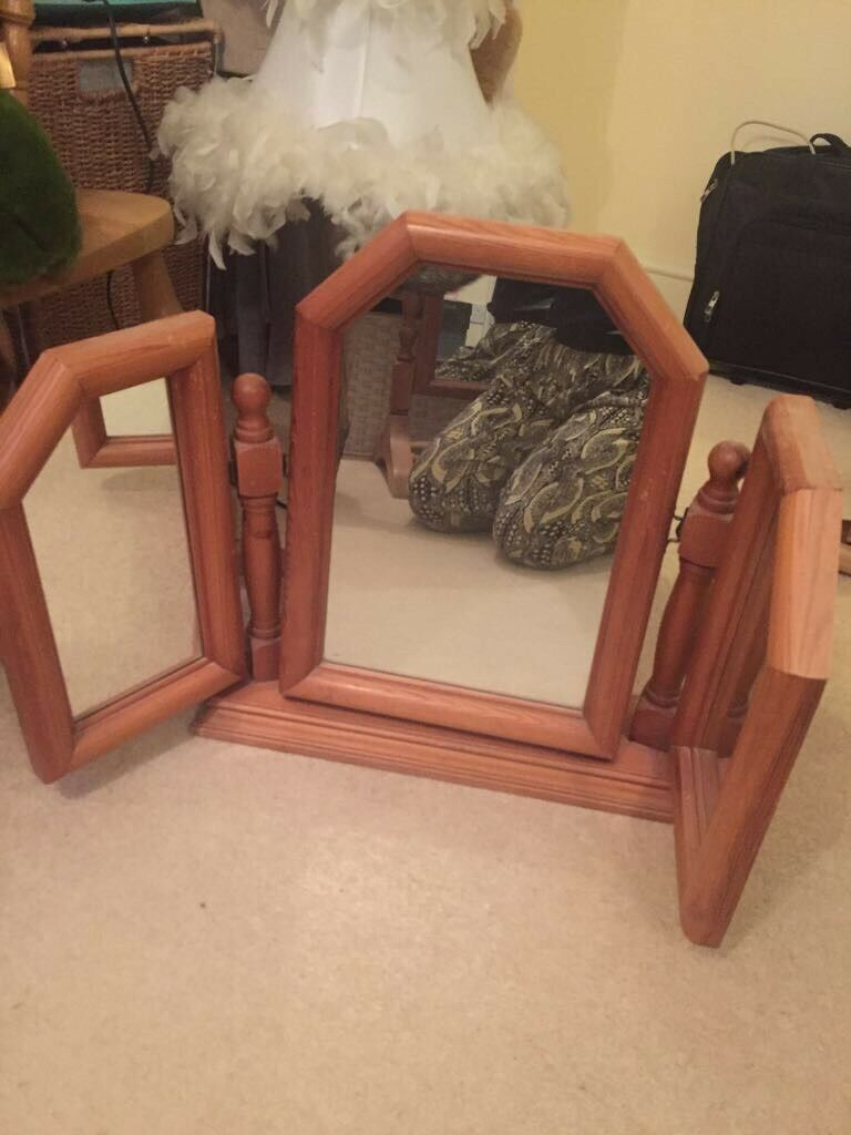 Dressing table mirrorin Winchester, HampshireGumtree - Solid pine wood 3 mirror dressing table mirror. Vintage from the 80s very good condition for age. Could be up cycled