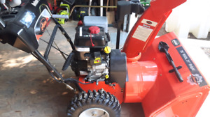 28 inch Ariens sno blower..like new..REDUCED