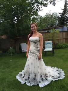 Nicole Miller size 2 corset top wedding dress tags on