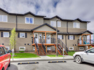Exceptional two storey townhouse with garage!